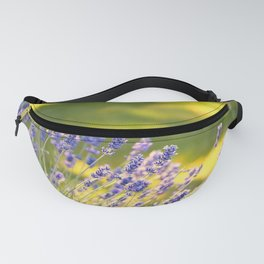 PRETTY LAVENDER GLOWS IN THE SUNSHINE IN THE GARDEN Fanny Pack
