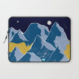 Say goodnight to the mountains Laptop Sleeve