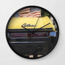'Cutlass' classic american auto oldsmobil e Wall Clock