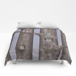 owls in trees Comforters