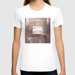 Silver Gate T-shirt