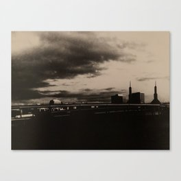 Downtown storm Canvas Print