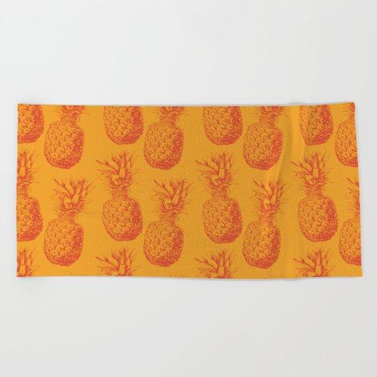Hand drawn pineapple pattern Beach Towel