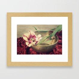 rhapsodie in red Framed Art Print