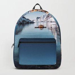 hamnoy fishing village at Lofoten Backpack