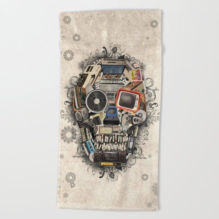retro tech skull 2 Beach Towel