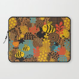 The bee. Laptop Sleeve