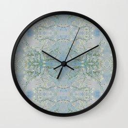 LoVinG V - ciel-grey Wall Clock