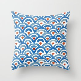 Japanese great waves - seigaiha ocean wave watercolor illustration pattern Throw Pillow
