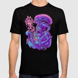 ALIEN PINUP T-shirt