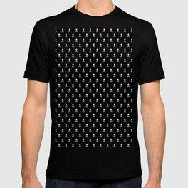 SKULLS PATTERN - BLACK & WHITE - LARGE T-shirt