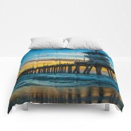Winter Sunset at Huntington Beach Pier. Comforters