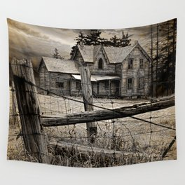 Abandoned Farm House in Ontario Wall Tapestry