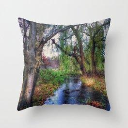 Wenn die Weiden Trauer tragen (When the willows wear mourning) Throw Pillow