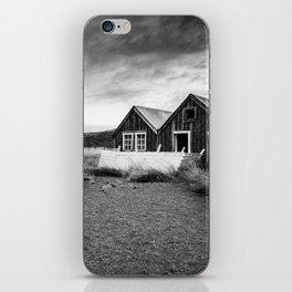 Iceland Shacks iPhone Skin