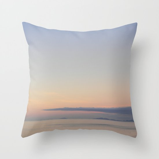 Afternoon soothe Throw Pillow