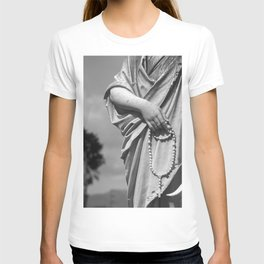 Hands That Pray T-shirt
