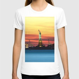 Statue of Liberty NYC (Color) T-shirt