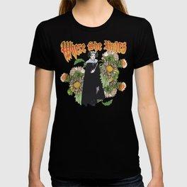 Melonie: Victorian Flower Series, Where She Rules T-shirt