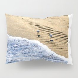 two sandpipers in blue & gold Pillow Sham
