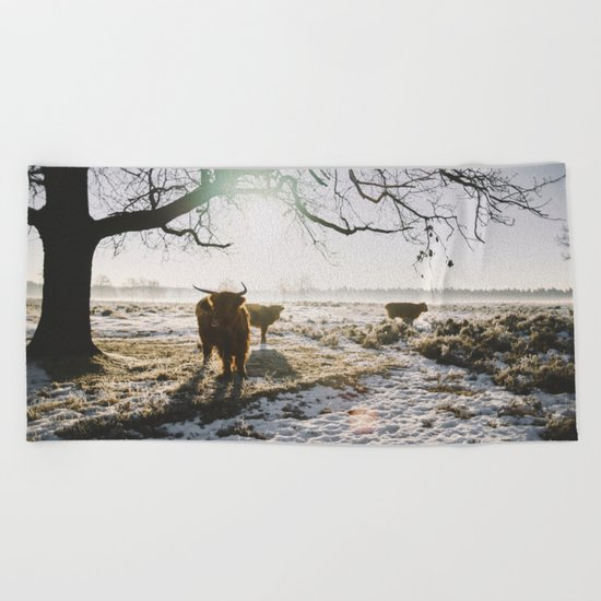Simple wildlife Beach Towel