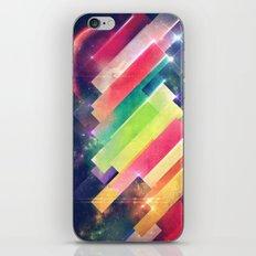 mwwntyp iPhone Skin