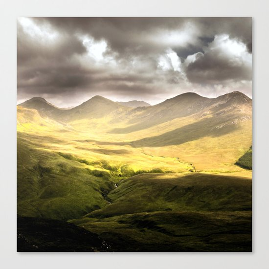 Up To The Mountains Canvas Print