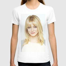 Emma Stone - Realistic Painting T-shirt