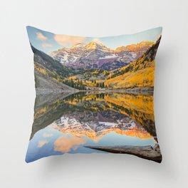 MAROON BELLS AUTUMN SUNRISE ASPEN COLORADO MOUNTAINS IN FALL Throw Pillow