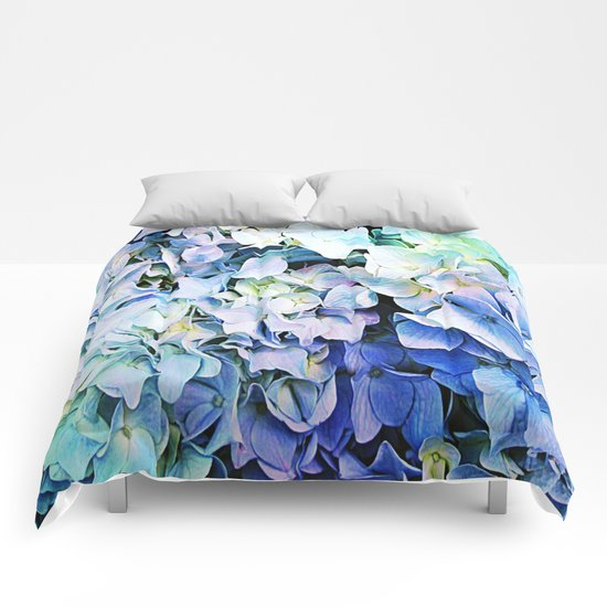 Soft Tri-Color Pastel Hydrangea Comforters