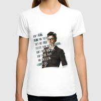 david tennant T-shirts featuring DON'T BLINK! David Tennant - Doctor Who by KanaHyde