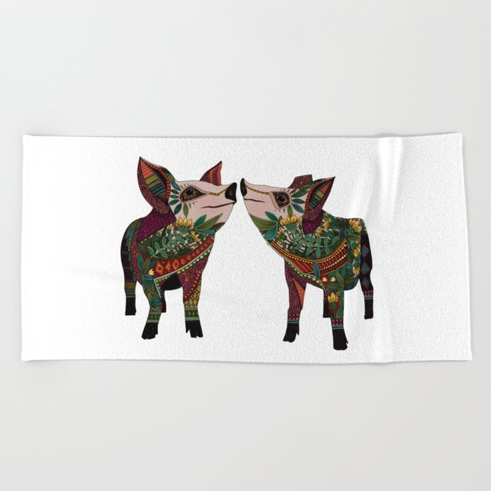 pig love white Beach Towel