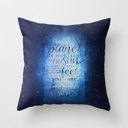 That's who I am | Doctor Who Throw Pillow