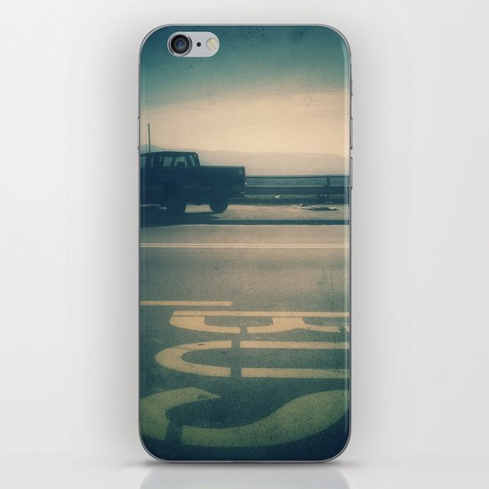 Bus iPhone & iPod Skin