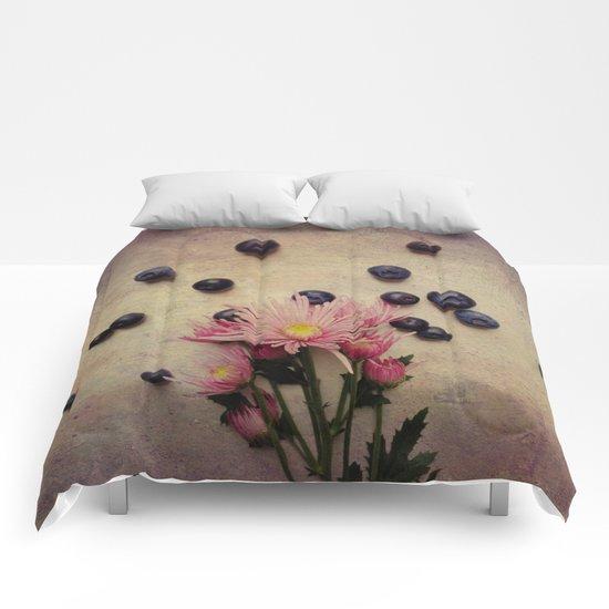Blooms and Berries Comforters