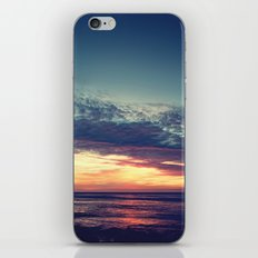 Explorers iPhone & iPod Skin