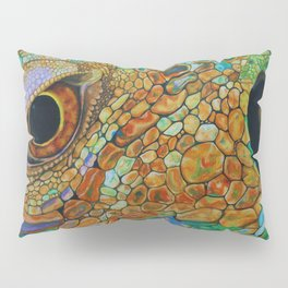 A Lizards Stare Pillow Sham