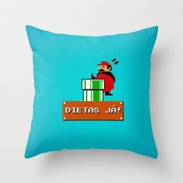 Dietas Já! Throw Pillow