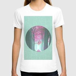Astronaut Falling to Earth-Minimalist T-shirt