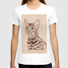 Bengal Cat Portrait - Drawing by Burning on Wood - Pyrography art T-shirt