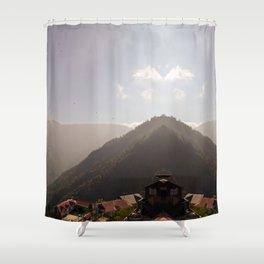 darjeeling houses for duvet Shower Curtain
