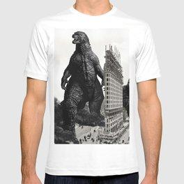 Godzilla and King Kong Visit The Flat Iron Building T-shirt