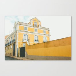 Lisboa in yellow Canvas Print