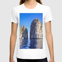 Faraglioni Rocks of the coast of the island of Capri, Italy T-shirt