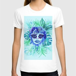 Woman with Tropic leaves T-shirt