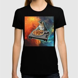 Cat dj with disc jockey's sound table T-shirt