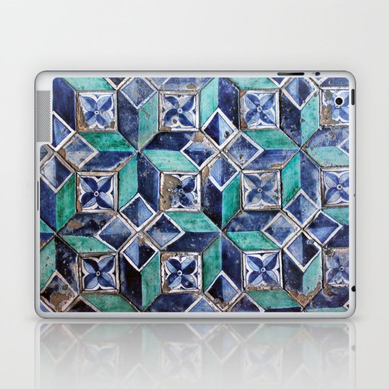 Tiling with pattern 3 Laptop & iPad Skin