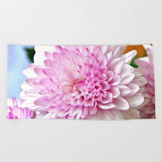 Pretty pink dahlia Beach Towel