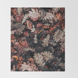 Autumn to winter dry leaves Throw Blanket
