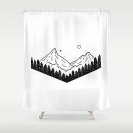 Montagnes dans les nuages Shower Curtain